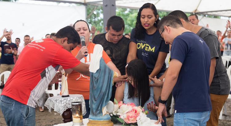 grupo de oração jovem