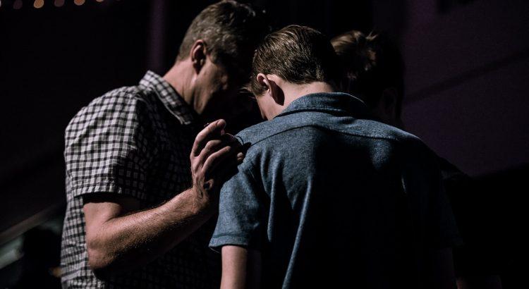 Servo de Grupo de Oração: Qual sua missão?