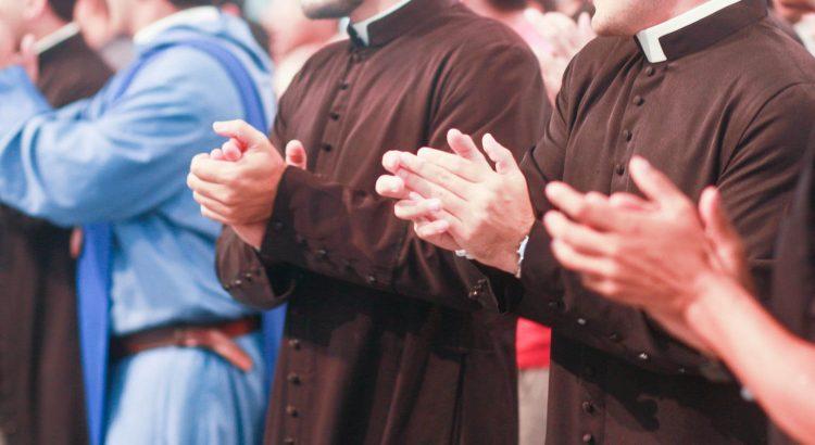 7 atitudes para o seu pároco entender a missão do Grupo de Oração